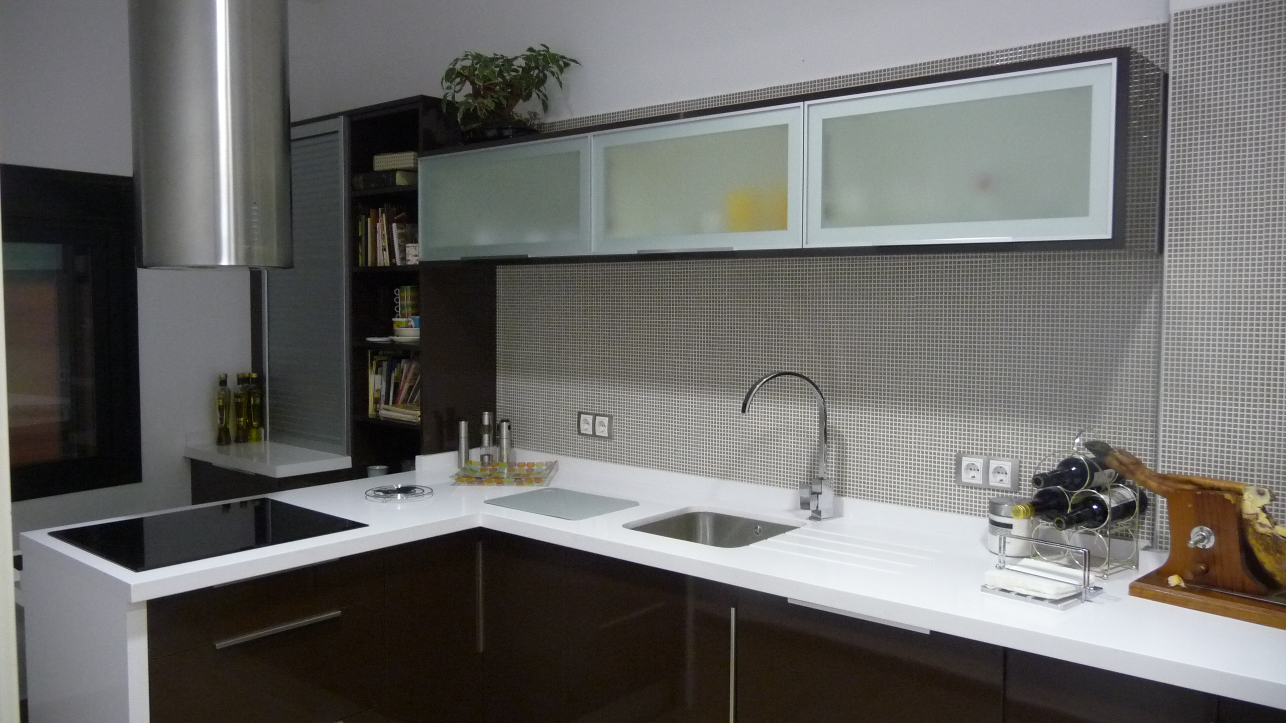Cocinas Con Campana Decorativa Good Decorativas Se Anclan A La  # Muebles De Cocina Pixys